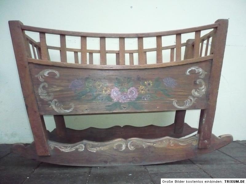 antikes kinderbett bauernwiege wiege eiche ebay. Black Bedroom Furniture Sets. Home Design Ideas